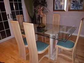 Class top with 2 marble stands and 6 chairs