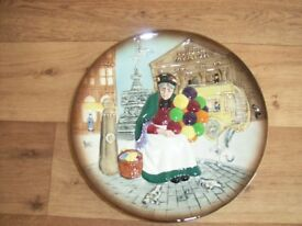 """The Old Balloon Seller Royal Doulton - 10"""" Vintage plate. Perfect condition collector's item"""