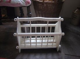 Magazine rack. Shabby chic style painted in cream and lightly distressed.Excellent condition.