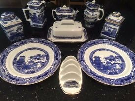 Ringtons 'Willow' pattern plates, tea caddies, butter dish, jugs and more