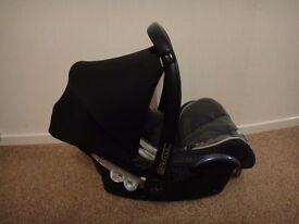 Maxi cosi cabrio fix baby car seat from birth to 9 months