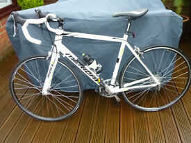 Merida Ride 88 road bike. Mint condition and comes with Volare training rig