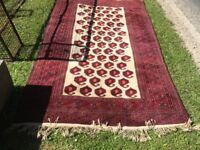 Persian Rug Patterend Dark Red Surround - Cream Centre