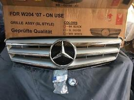 C class w204 07-2010 grill and badge