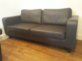 Brown leather sofa, great condition. Can deluver to local area