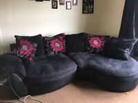 BEAUTIFUL SOFA !! NEEDS GONE ASAP
