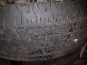 2 pneus d'été, 235/75/17, Hankook, Dynapro AT, 15% d'usure, 13/32 de mesure.