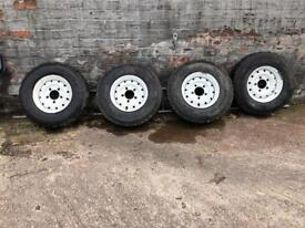 Land Rover Defender wolf rims +G90 tyres