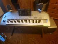 keyboards tyros 2 yamaha with speakers bass and stand