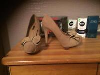 Beige/light brown heels