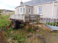 Tractor trailer, chequer plate floor but needs chassis repair / replacement