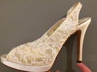 "Benjamin Adams ""Clara"" size 6 lace wedding heels unworn"