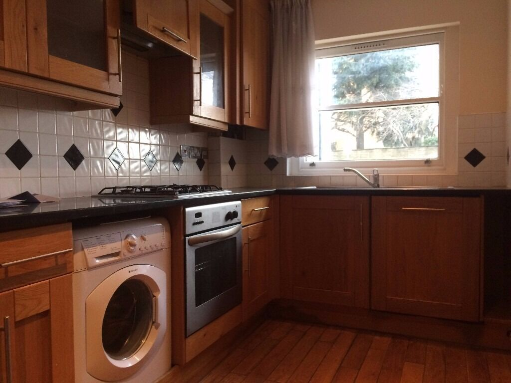 3 Bedroom House, 2 minutes walking distance to Wood Green Underground Station...