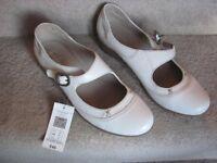 M & S Ladies Foxglove shoes sie 8 NEW