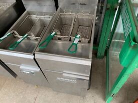 GAS REFIRBUSH IMPERIAL FRYER 2 BASKET CATERING COMMERCIAL KITCHEN FAST FOOD