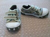 Size 7 infant canvas shoes from smoke & pet free home