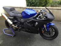2005 yamaha r6 race track bike