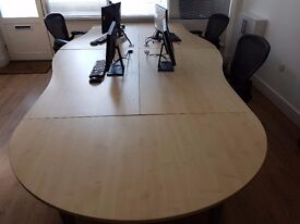 4 wave desks with end table