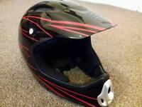 Crash helmet/biking helmet