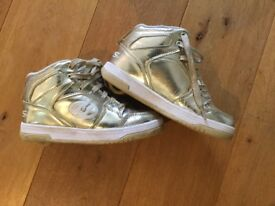 Gold Heelys Size UK 3 - One Removable Wheel on Each Shoe - Good Condition