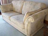 3 piece lounge suite in good quality fabric.