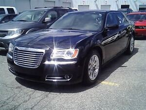 2013 Chrysler 300 Touring,Leather,Pano Roof