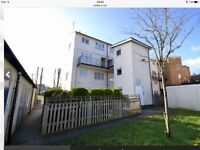 2 bed ground floor maisonette,arundel drive Borehamwood.Price incl council tax.Water&service charge