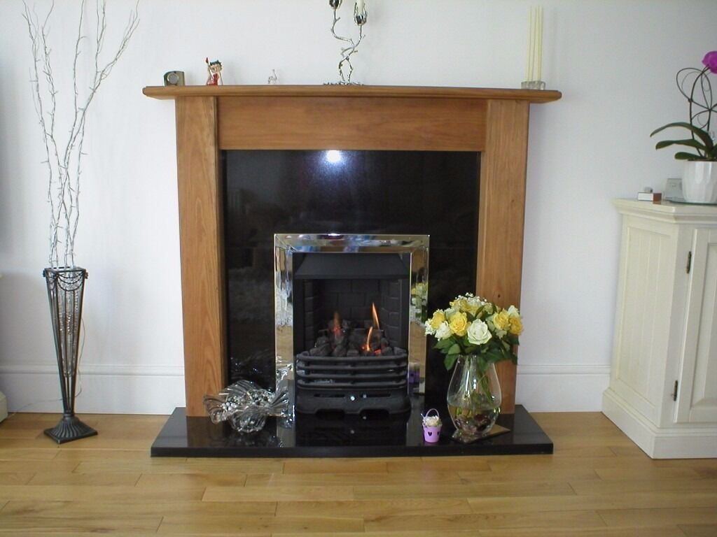 Gas fire & surround