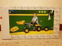 Kids John Deere Ride-on Tractor with Loader and Detachable Trailer