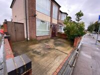 Big 3 Bed Corner House with Driveway near North Street Romford Town Hall RM7 7JR