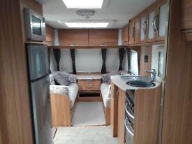 2/4 berth Lunar Lexon 640 twin axle Fixed bed Touring Caravan