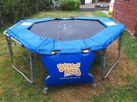 Fold up trampoline