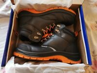 Mens himalayan Steel toe work/safety boot size 10