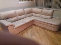 free corner settee