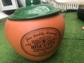 FINEST QUALITY TERRACOTTA BISCUIT JAR - GREEN LID MADE IN PORTUGAL