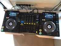 2x Pioneer CDJ 2000 Nexus Decks + DJM 900 Nexus Mixer + TIP Flight cases