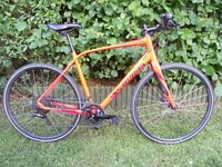 Specilized Sirrus Elite Disc flatbar road bike / hybrid 2016 near new condition