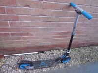 Child's scooter, approx age 6 to 12