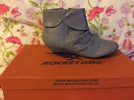 Grey size 4 Rocket Dog boots - brand new!