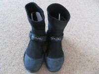 New Gul wetsuit steamer boots size 4 never used