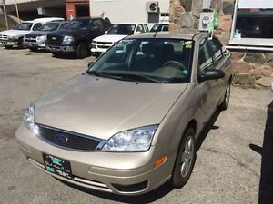 2006 Ford Focus ZX4 SE; Auto A/C Cruise, Heated Seats!