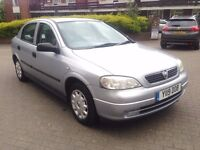 VAUXHALL ASTRA AUTO 1.6 PETROL 5 DOOR 71000 MILES 11 MONTH MOT 2001 SILVER £750/-