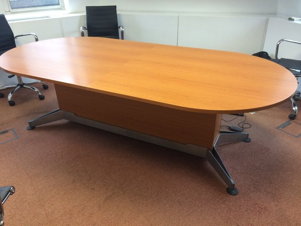 Large Oval Shaped Wooden Conference Meeting Table Good Condition - Large wooden conference table