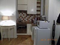 Spacious one bed flat on top floor at a great location close to Chancellery Station