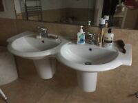 DOUBLE TWIN PEDESTAL WHITE WASH BASIN in excellent condition.