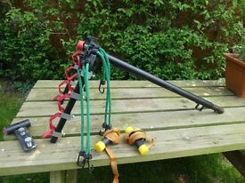 Car cycle rack/carrier for 4 bikes - tow bar mounted.