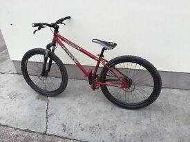 Sanchez cove jump bike ( mountain bike )