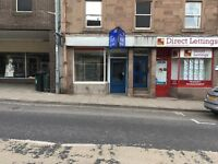 SHOP/OFFICE TO LET. Suitable for a variety of uses