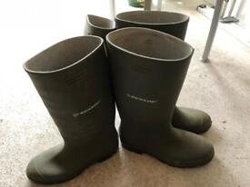 Wellies (2 pairs included)