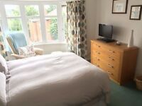 Double Room - Close to Town, Parking - Live in Landlord - Mon-Fri